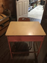 Childs school desk with chair Hedgesville, 25427