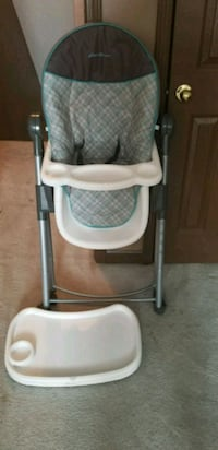 baby's white and gray high chair Memphis, 38118
