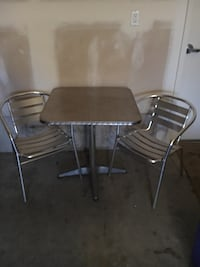 Aluminum table and chairs very light weight