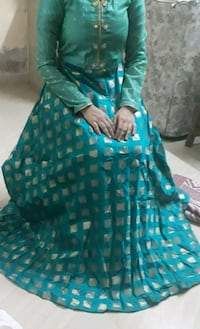 Womens full sleves gown