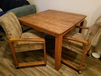 Oak dining table & 2 chairs Las Vegas, 89123