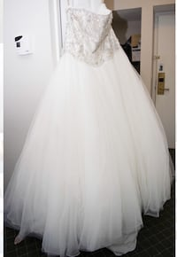 Roz la Klein wedding gown