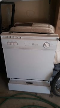 White maytag dishwasher *negotiable* Mississauga, L5B