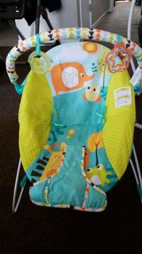 baby's green and blue bouncer Fairfield, 94533