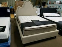 Queen bed  Glendale