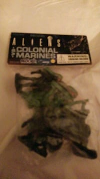 Aliens an Colonial Marines mini figures  Vancouver, V6G 1T2