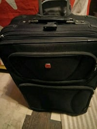Luggage Swiss gear ex cond Vancouver, V6Z 1B3