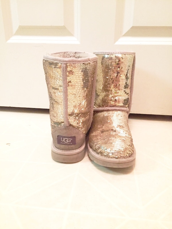 16d575391e1 New Gold Sparked Uggs Size 7
