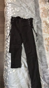 Black skinny pants with laced sides  Longueuil