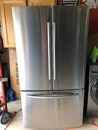 Samsung French door refrigerator almost new (2016) fridge