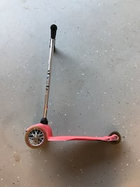 """Kids scooter.  Approx 30"""" tall adjustable  Wilmington, 28411"""