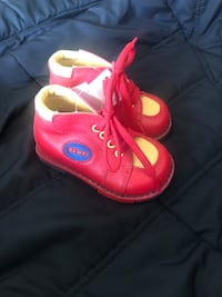 Orthopedic Baby shoes for girl Toronto, M2K 1C3