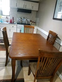 Dining table Ludlow, 01056