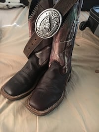 Kids boots Youth size 4 and belt  Pharr, 78577