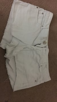 Off-White Shorts (Size 13) Germantown, 20874