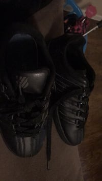 Pair of black kwiss size 1 only wore 4 times Bryan, 77803