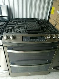 black and gray gas range double oven Temple Hills, 20748