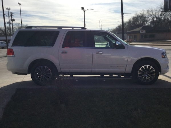 *LOADED* *ONE OWNER/CLEAN CARFAX* 2015 Lincoln Navigator L 4WD c70dff8d-bc61-4a1f-b214-5f3e97fead59