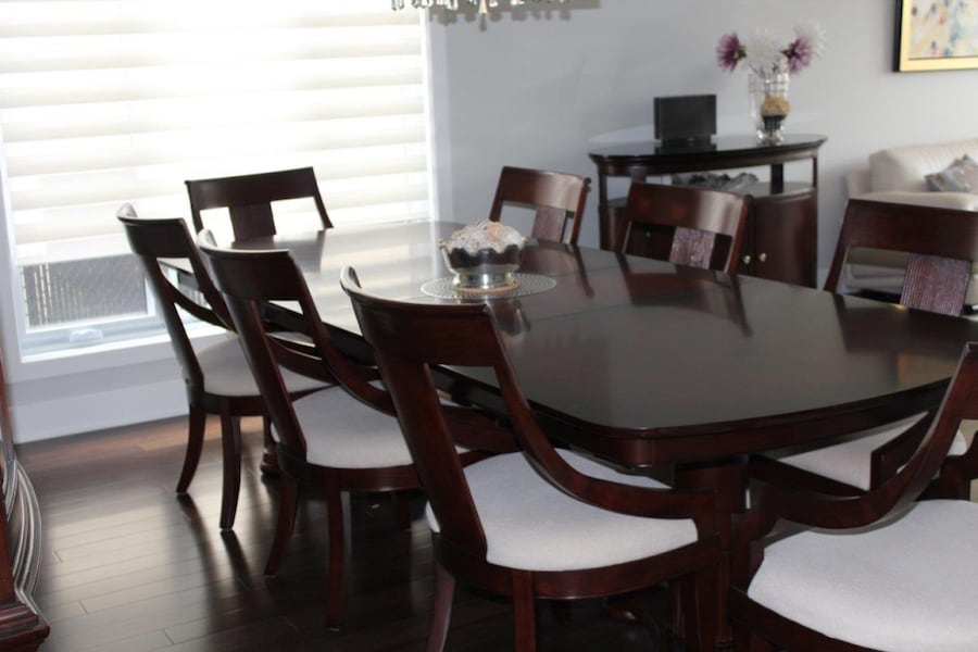 Dining set: table, buffet 8 chairs 013b37f8-8df3-49ef-a3f0-7a4df4e353df