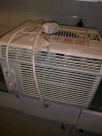 Air conditioner likd brand new need gone asap Edmonton, T5K 0S9