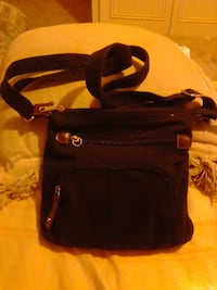 Black 3 tear pocket purse SANANTONIO