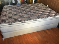 white and gray floral mattress Tampa, 33606