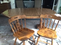 Table and 8 chairs and Hutch 2277 mi