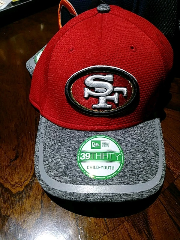 red and black San Francisco 49ers fitted cap