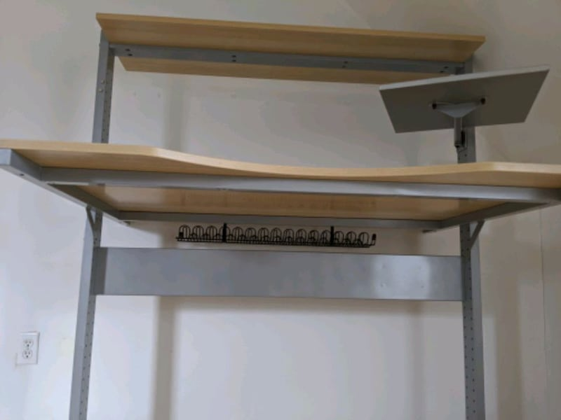 Adjustable desk for working from home 0b176513-5558-412e-a724-4035e3590992