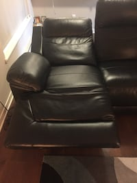 Leather 3 seater sofa with usb charging ports Seattle, 98121