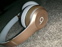SPECIAL EDITION GOLD BEATS by Dr. Dre Arlington Heights, 60005
