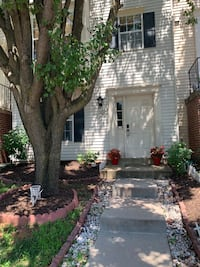 Townhouse  For sale 4+BR 3BA Ashburn