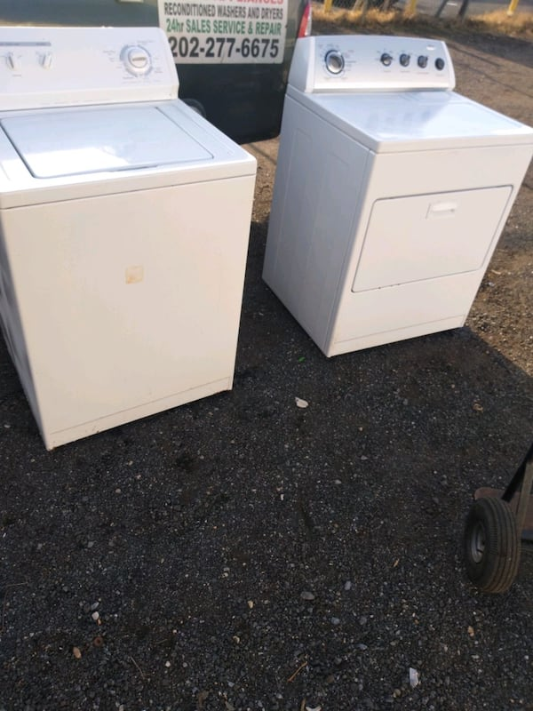 Whirlpool heavy duty washer and dryer set works good 6 month warranty 461c7cb8-b905-4a70-8e18-a43243c9e21c
