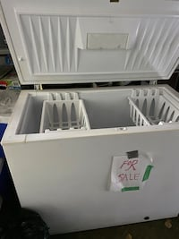 Chest freezer(good condition)