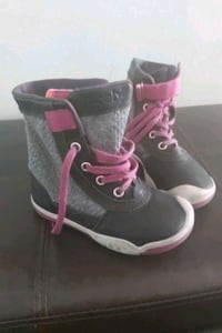 Toddler size 10 fall boots Toronto, M3J 2S9