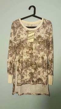 brown and white scoop neck long sleeve shirt Bethesda, 20814