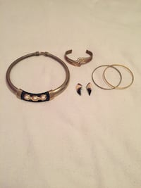 Faux gold and silver jewelry articles ($1 each) Ottawa, K1K