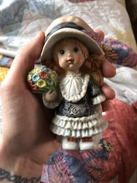 Klassen giftware figurine Winnipeg, R3M