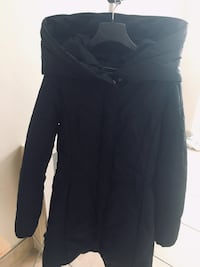 Le Chateau winter coat in perfect condition barely worn Montreal