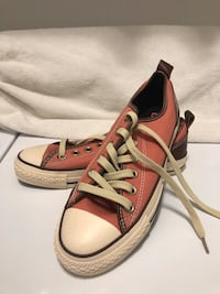 Peach Converse Chuck Taylor All Star with Leather Trims New) Toronto, M3H 2T6