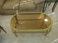Wicker and glass coffee table Las Cruces, 88011