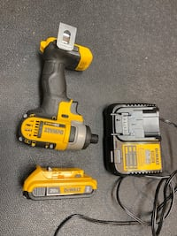 Dewalt 20v max impact driver, 2ah battery and battery charger