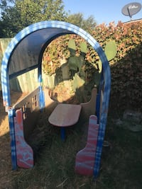Bench and table for kids  Tulare, 93274