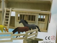 WOODEN STABLE - NEW
