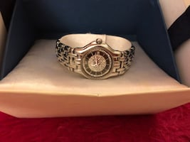 Raymond Weil Ladies Watch Excellent working condition , with original box . Please contact if interested in it.