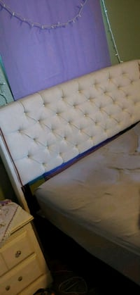 Queen/full size headboard Lakewood