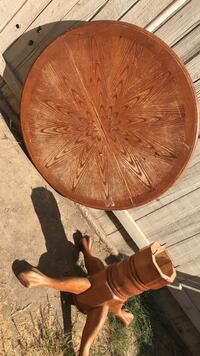 round brown table .  Wasco, 93280