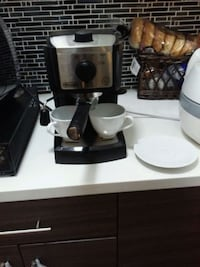 DeLonghi 2 cup espresso machine and milk frother Burnaby, V5H 3G4