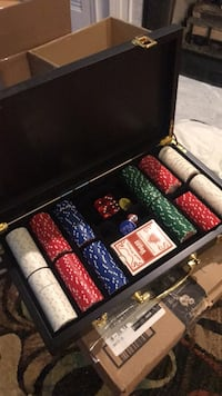 Poker set Arlington, 22201