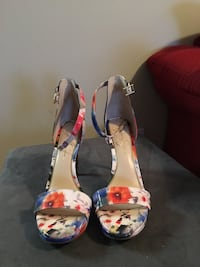 Women's pair of multicolored floral pumps by Jessica Simpson Duluth, 30096